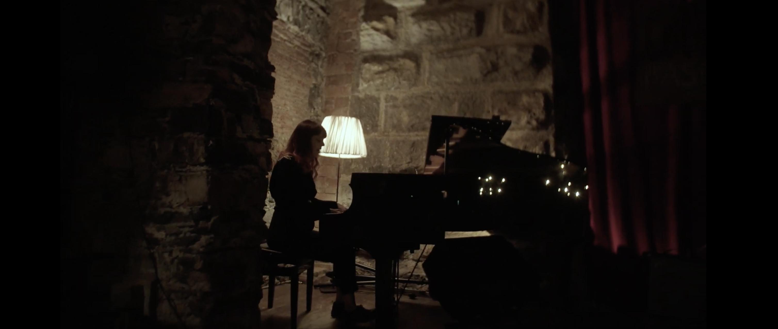 "Emilya Ndme pubblica il nuovo singolo ""A Giant Step"""