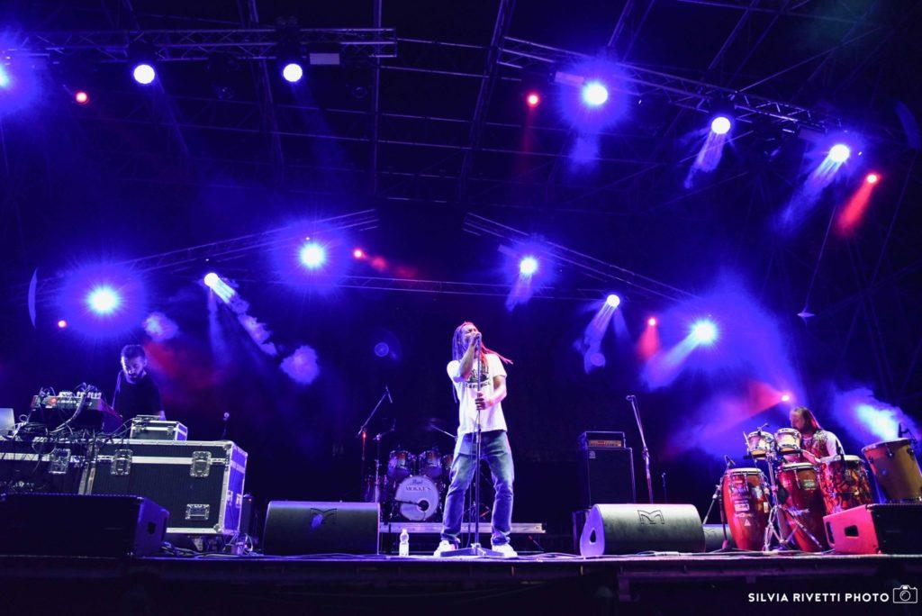 Dub Archive feat. Raphael Star Dust Live